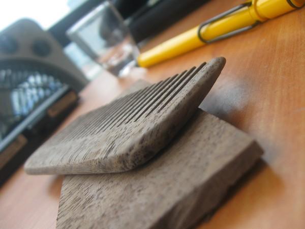 mahogany comb finished